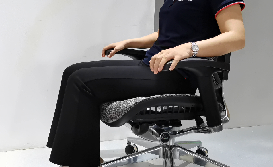 news-Hookay Chair-How to sit in ergonomic chair-img